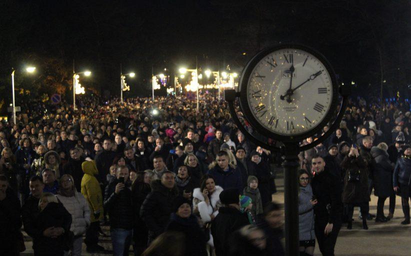 Tūkstančiai lėkė į Palangą vos dėl kelių minučių