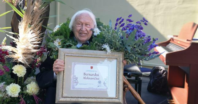 Kultūros magistras Bernardas Aleknavičius pagerbtas be žiedo