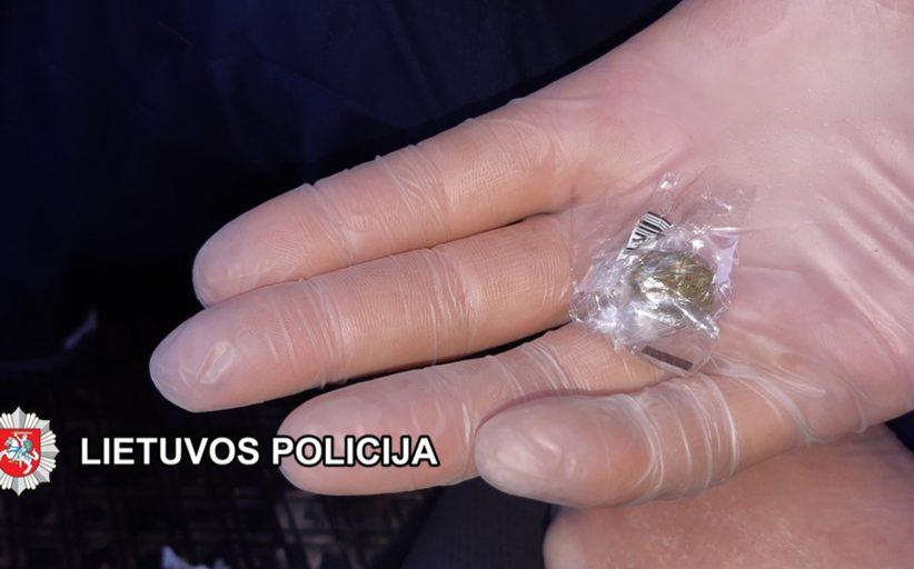 Policija išardė kvaišalų prekeivių tinklą
